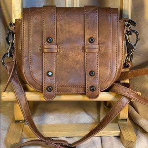 Antik Kraft NWOT crossbody expandable purse w/stud